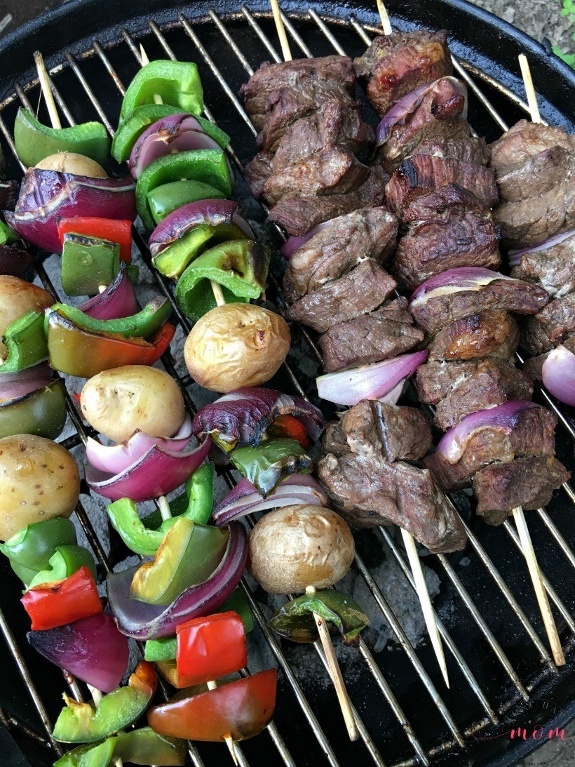 Over 30 must try campfire recipes! This is the best resource for camping recipes to try.